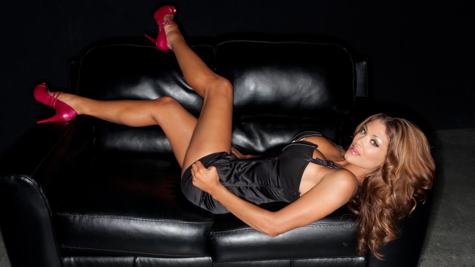http://3.bp.blogspot.com/-d0GKCXvCQW8/ULBfmPhCifI/AAAAAAAAFok/ZXLf5qE-Bhc/s1600/WWE+Eve+Torres+hd+Wallpapers+2012_0.jpg