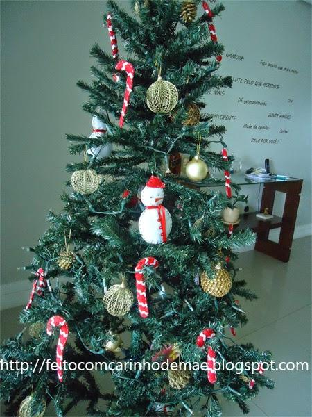 Árvore de Natal com enfeites de feltro