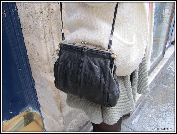 style de la semaine Armelle, sac vintage cuir noir bandoulière