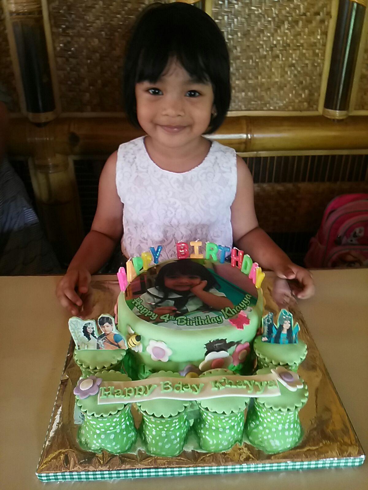 Khayya 4 tahun dengan Birthday Cake Balveer nya