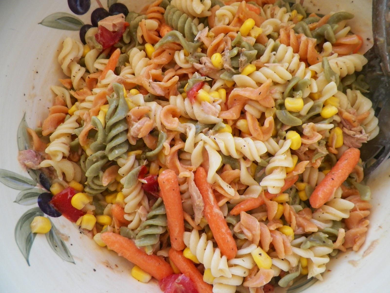pasta salad with tuna, carrots and corn