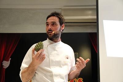 Miguel ángel de la Cruz en ponencia Gastro domingos. Blog Esteban Cadpevila