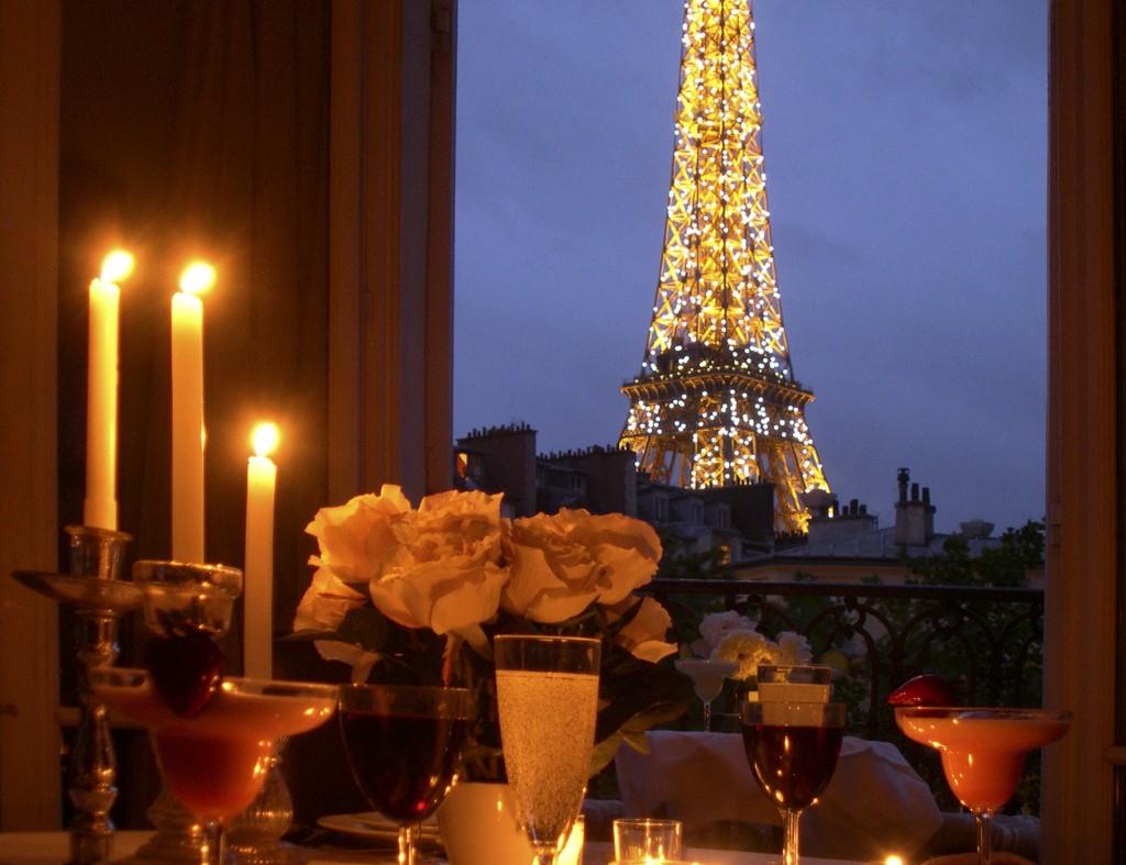 Exquisite affairs for Romantic evening in paris