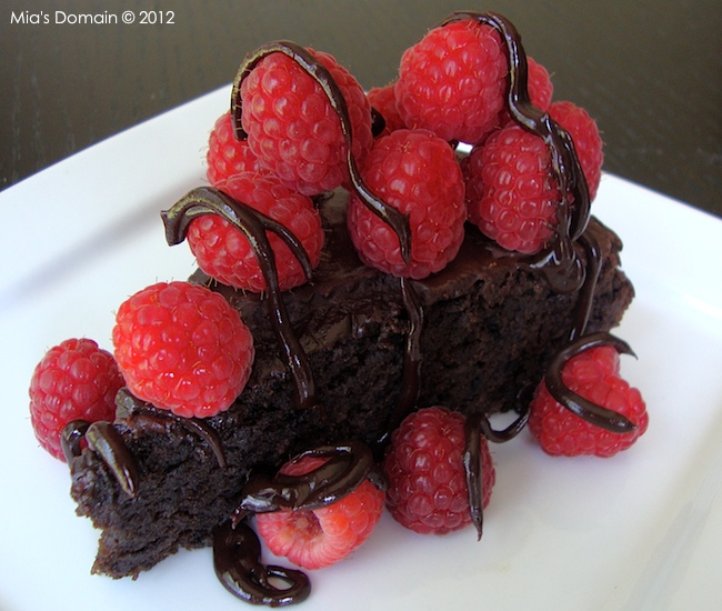 Mia's Domain Eggless Chocolate Cake