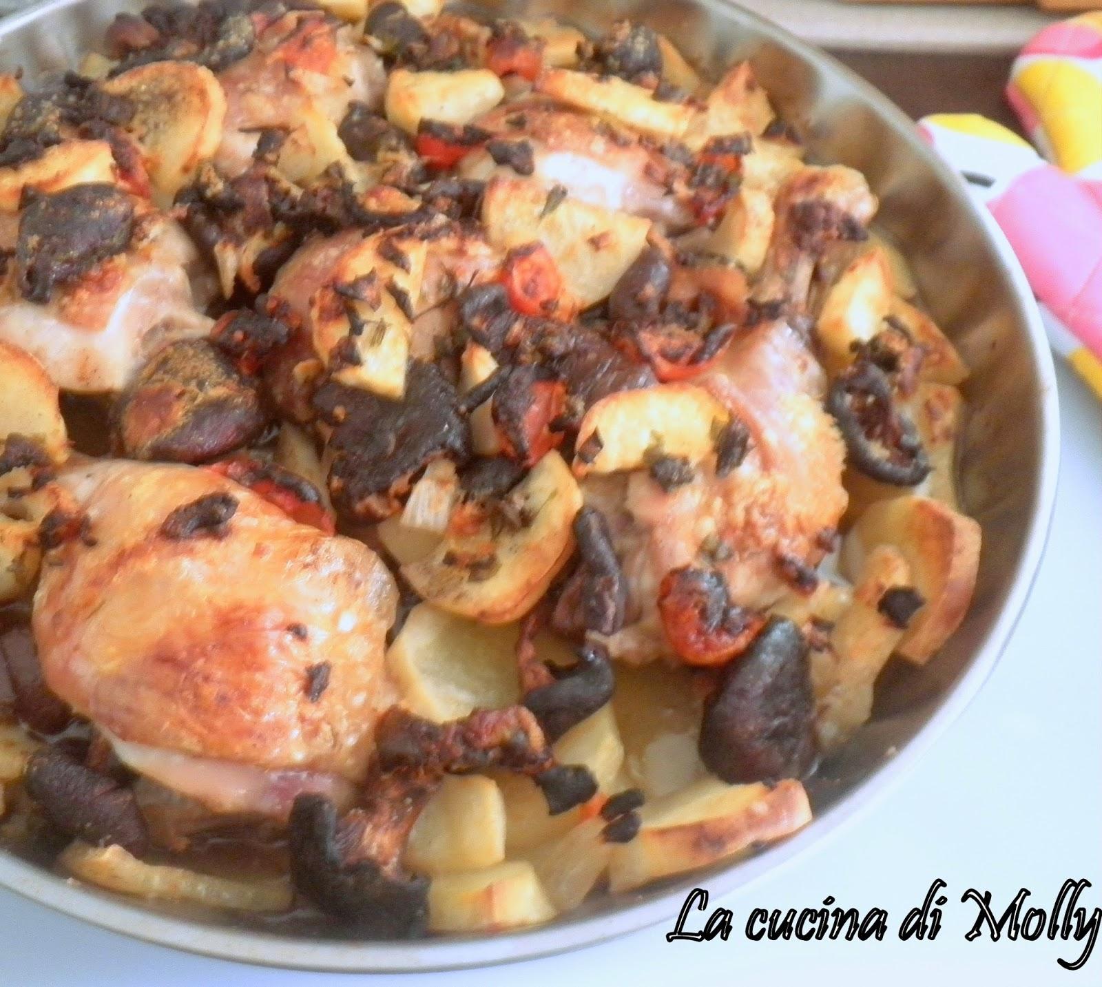 cosce di pollo al forno con patate e funghi