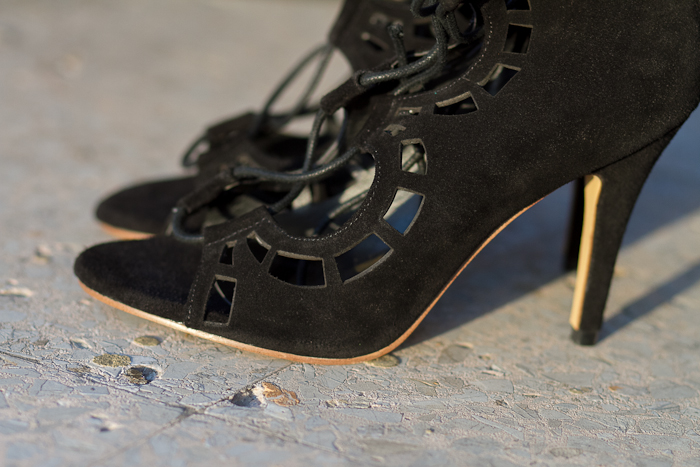 NEW IN: AMAZING LACE-UP SCALLOPED HEELS