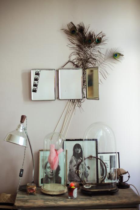 les filles au balcon freunde von freunden. Black Bedroom Furniture Sets. Home Design Ideas