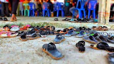 Flip Flops, mehr Schuh braucht's in Thailand nicht.