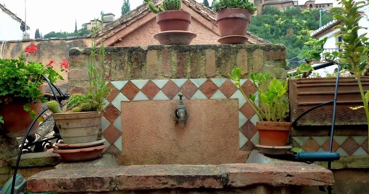 Pilones y aljibes de granada en la calle horno de oro se encuentra una casa morisca de - Casa horno de oro ...