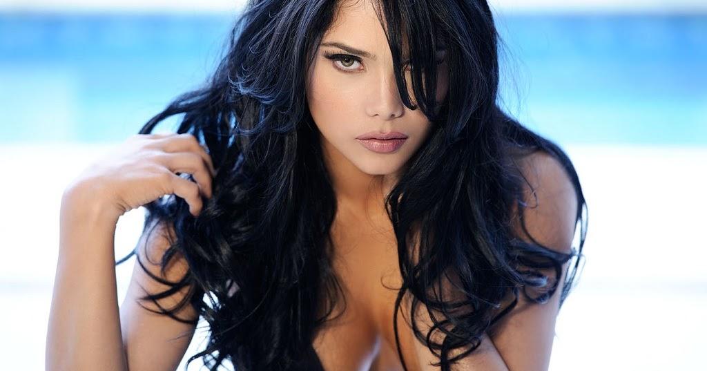 Jackeline Cardona Nude Photos 30