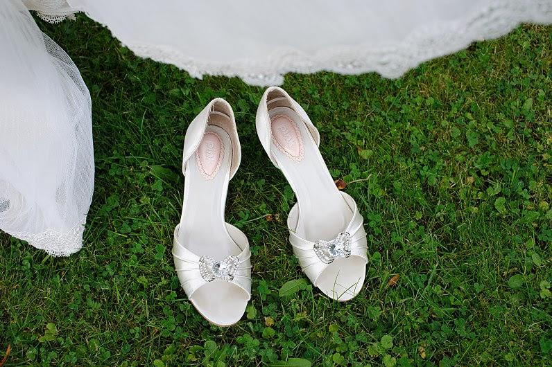 silkiniai vestuviniai bateliai