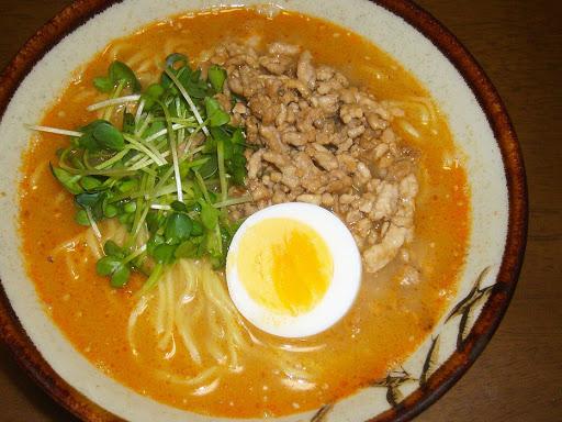 【サンヨー食品】サッポロ一番 頂(いただき)白ごま担々麺