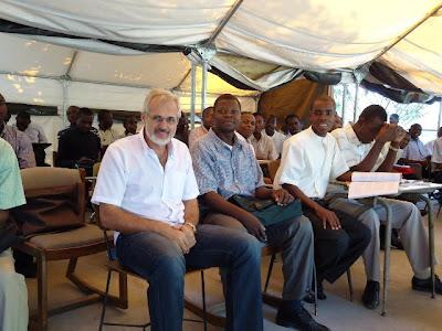 """AMERICA/HAITI - """"Dois anos depois do terremoto ainda existem 600 mil pessoas morando em tendas, inclusive os seminaristas"""": Fides recebe o testemunho do Núncio Apostólico"""