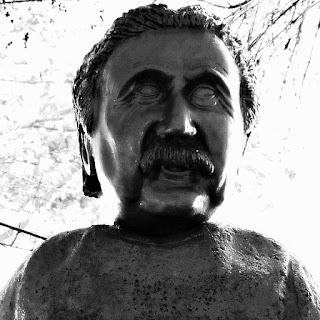Busto de Albert Einstein: físico alemão. Desenvolveu da Teoria da Relatividade.