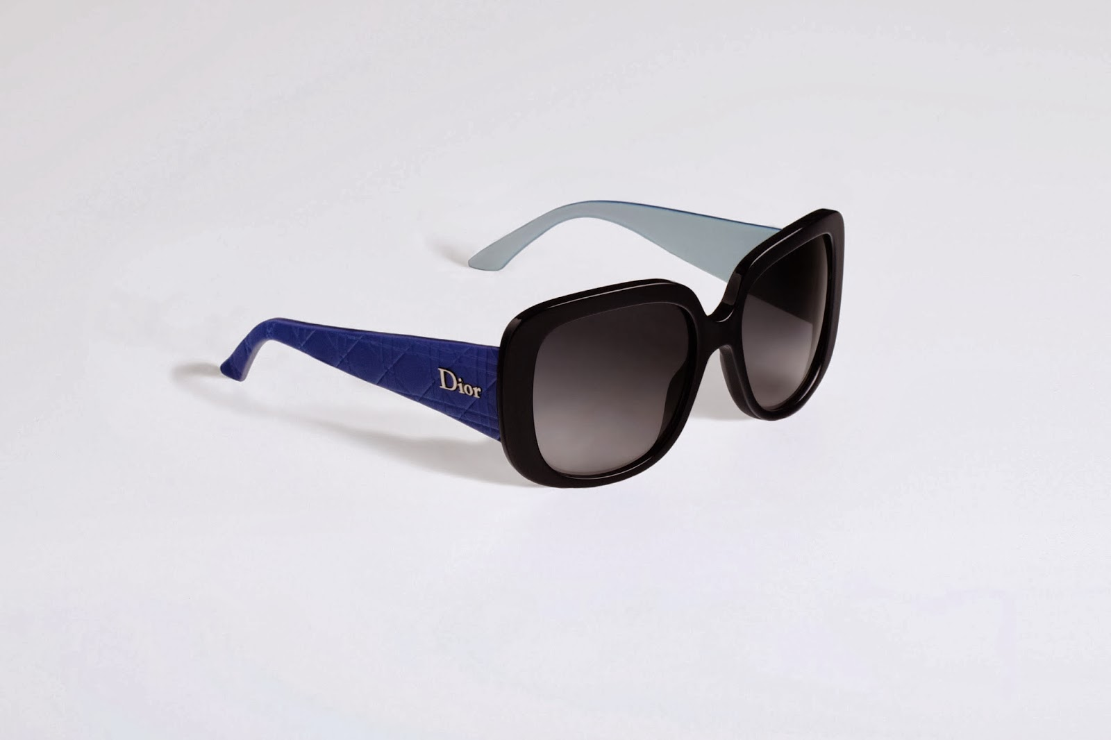 http://www.dior.com/couture/en_gb/womens-fashion/accessories/eyewear/bleu-nuit-bleu-lagon-dior-lady-lady-1-sunglasses-6-7067