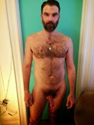 Fotos caseiras de um barbudão pelado no banheiro