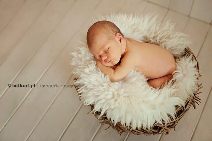 Sesja noworodka, zdjęcia dzieci, fotograf noworodkowy, fotografia dziecięca, artystyczne sesje zdjęciowe