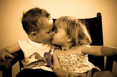 Little Kids Kissing Pictures to Download