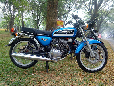 Best Modifikasi Motor Honda CB 100 - Blue Original Classic