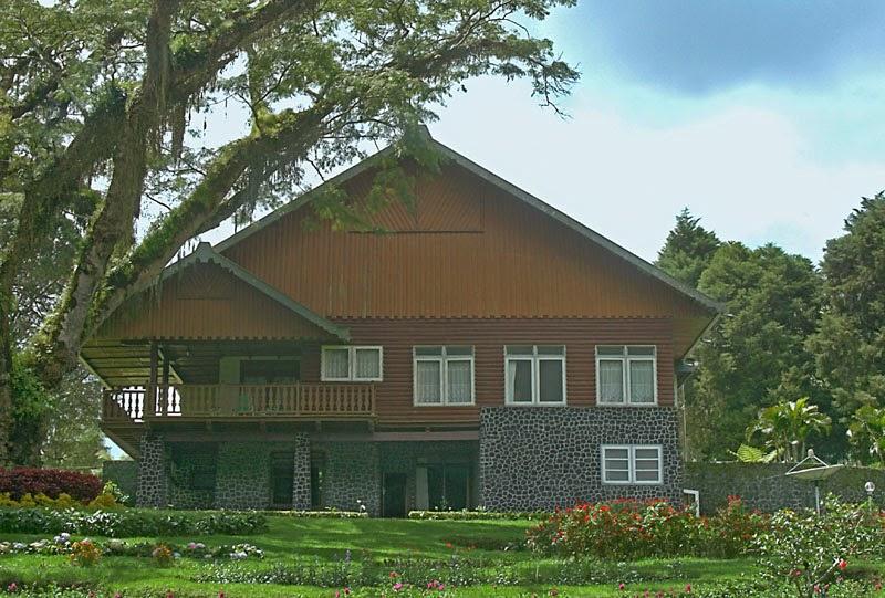 Jampit Guest House - Kalisat Bondowoso