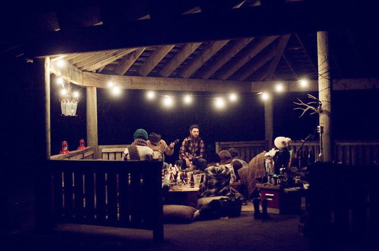 dia en el campo con los amigos - sobre mesa