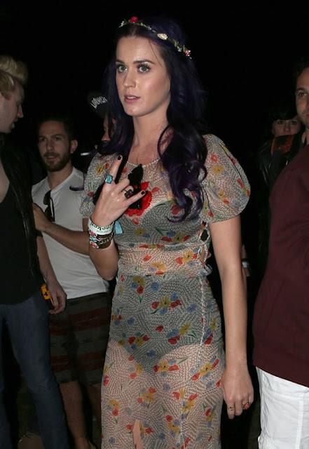 Foto Katy Perry Pakai Baju Tembus Pandang, Pakaian Dalam Terlihat
