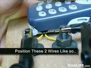 buat kabel yg masuk ke lubang vibrator seperti ini :