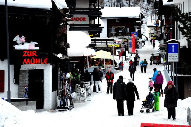saas fee shops ski