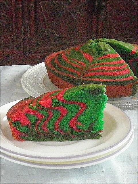 Marble Cake Recipe @ http://treatntrick.blogspot.com