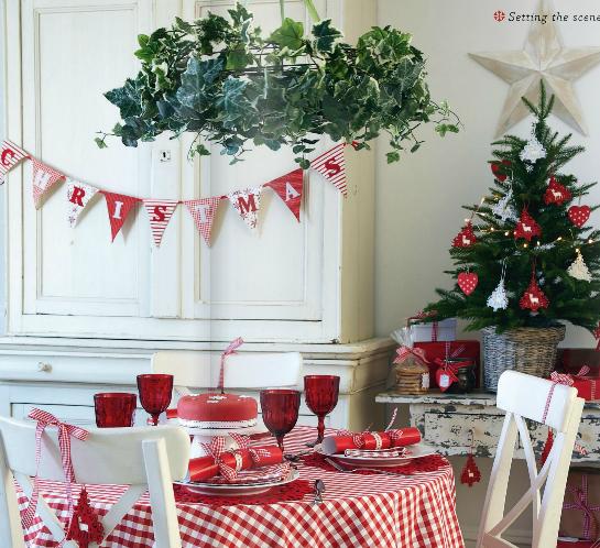 Colores para la mesa rojo y blanco for Decoracion en rojo y blanco