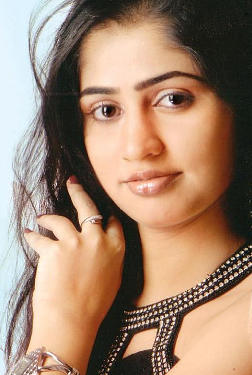 actress pooam