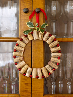 pop out the cork add pop to a dining room with wine corks wired to tiny red jingle bells take about 22 corks of the same size and 22 small 38 of an - Small Christmas Door Decorations