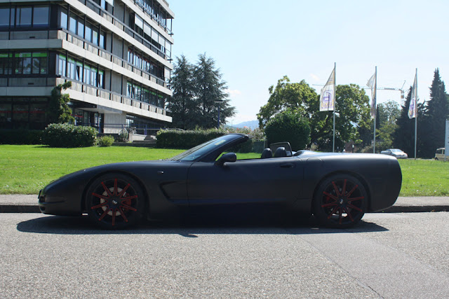 Matte black corvette with 20's
