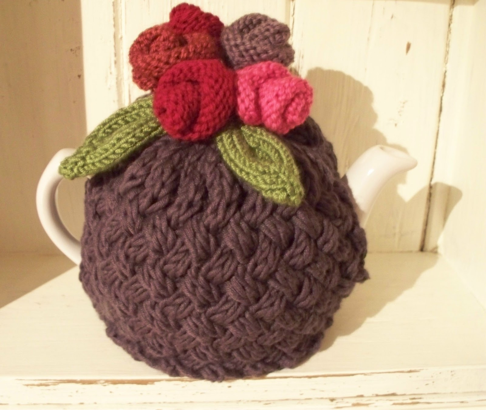 Lavender attic thrify handknitted pressies tea cosy pattern Bhg g