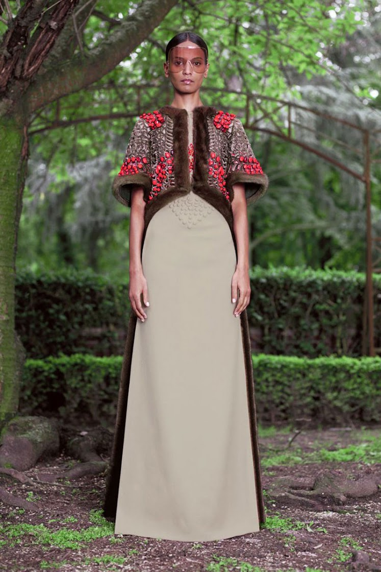Givenchy Autumn/winter 2012/13 Haute Couture Women's Collection
