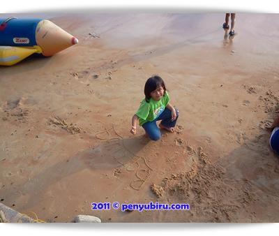 Pantai Teluk Kemang PD