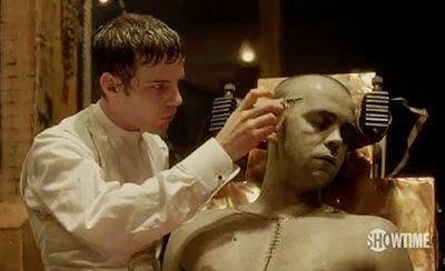 Frankenstein da los últimos retoques a su criatura en el piloto de Penny Dreadful