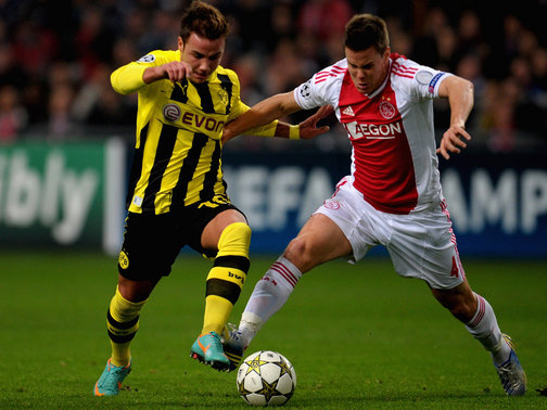 Dortmund vence Ajax com bom desempenho de Gotze