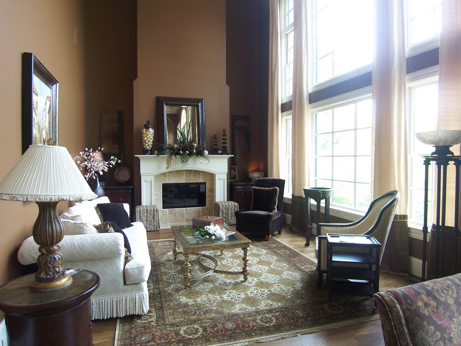 Taupe interior design - Caramel Rug And Wall Paint