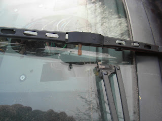 Triumph TR7 wiper blade fitting