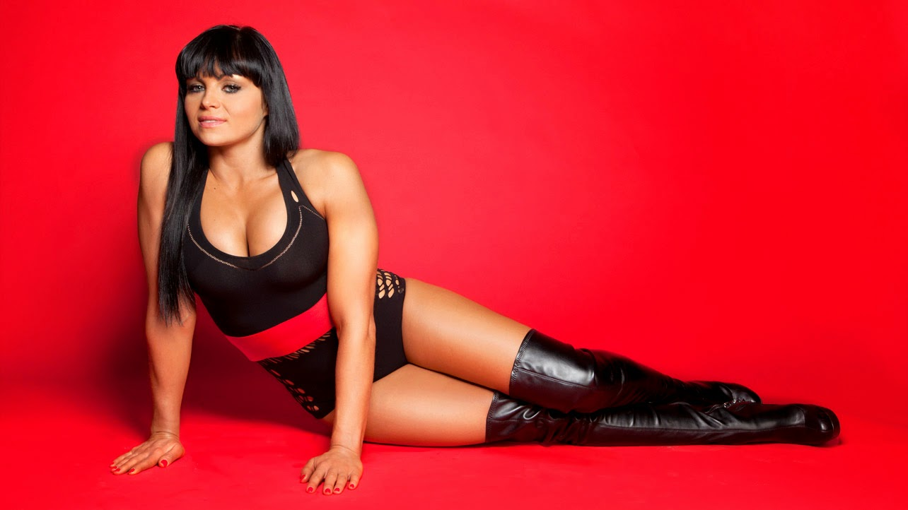 Most famous female wrestlers of wwe or wwf divas most for Hottest wwe diva pictures