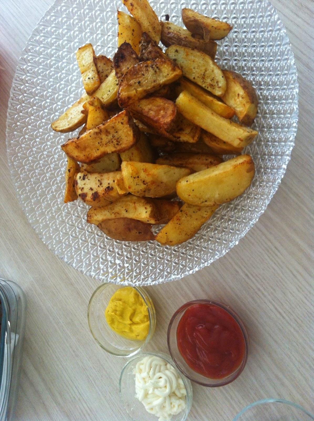 Fırında elma dilimi patates yapılışı