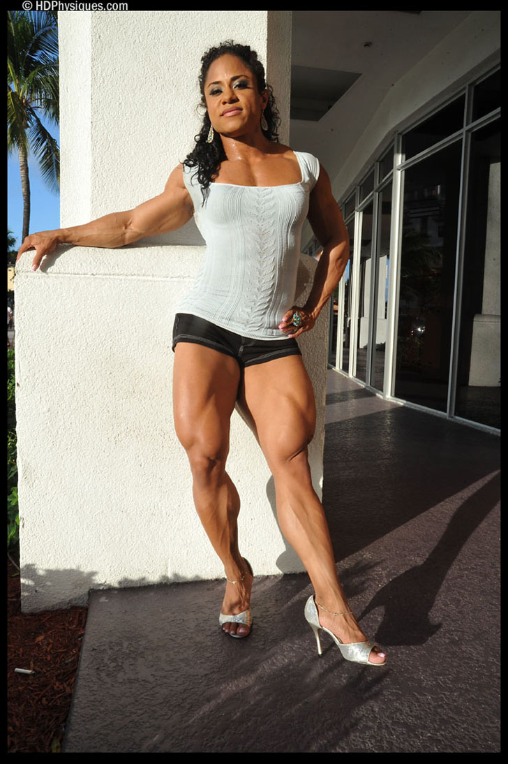 Kashma Maharaj Flexing Her Muscular Quads And Calves