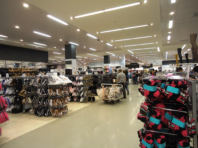 Life in brussels primark li ge la grande aventure for Life fashion bremen