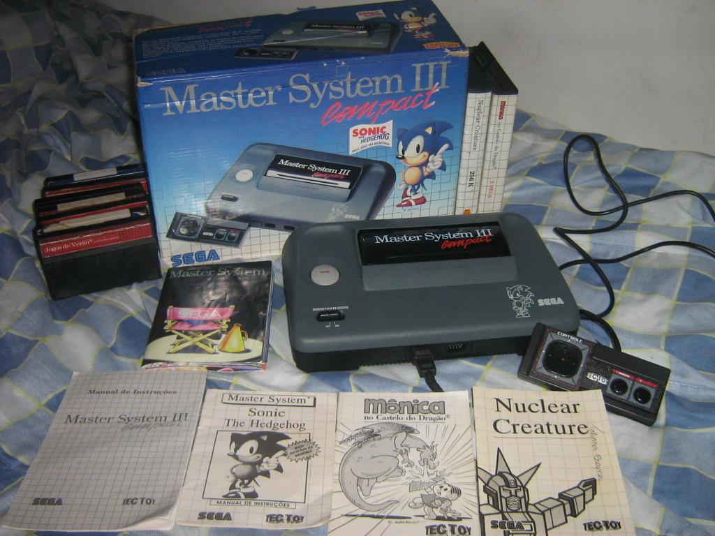 86a1f3fd49abe QG Master  Master System 3 Compact com Sonic na memória