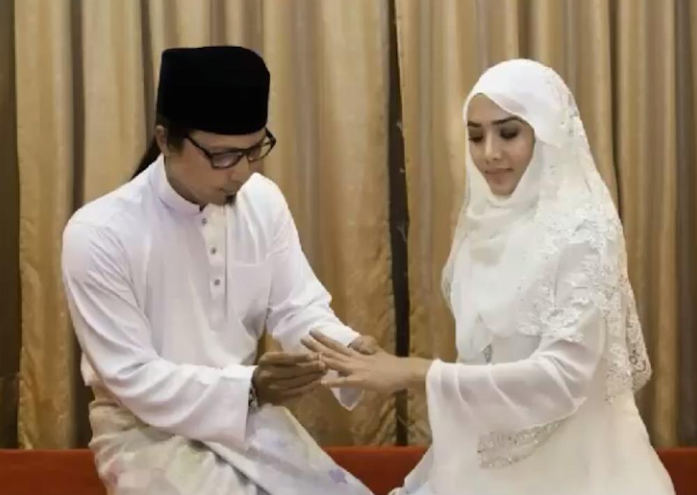 7 Gambar Pernikahan Rahsia Elizad Shamsul