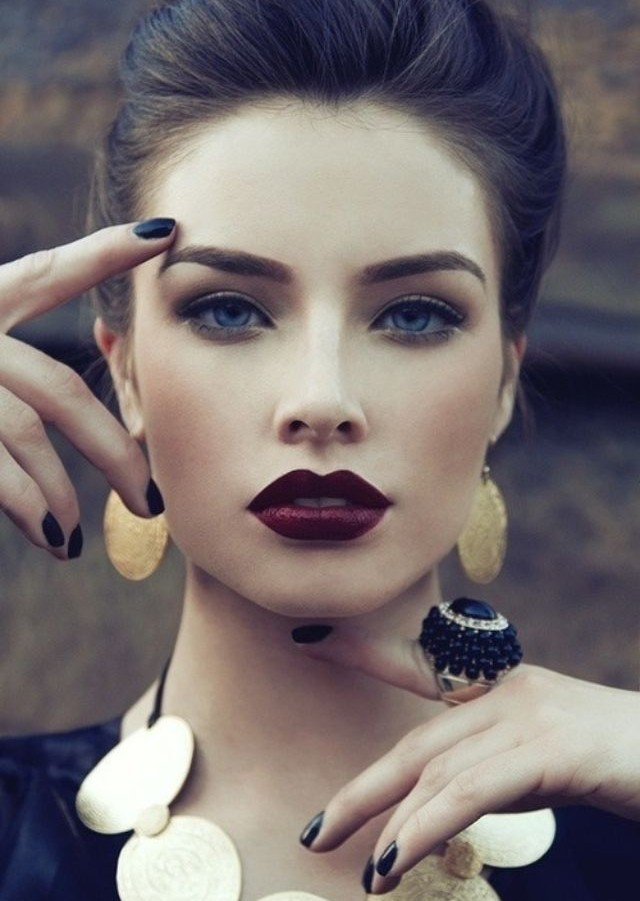 Beauty Trend Dark Berry Purple Lips