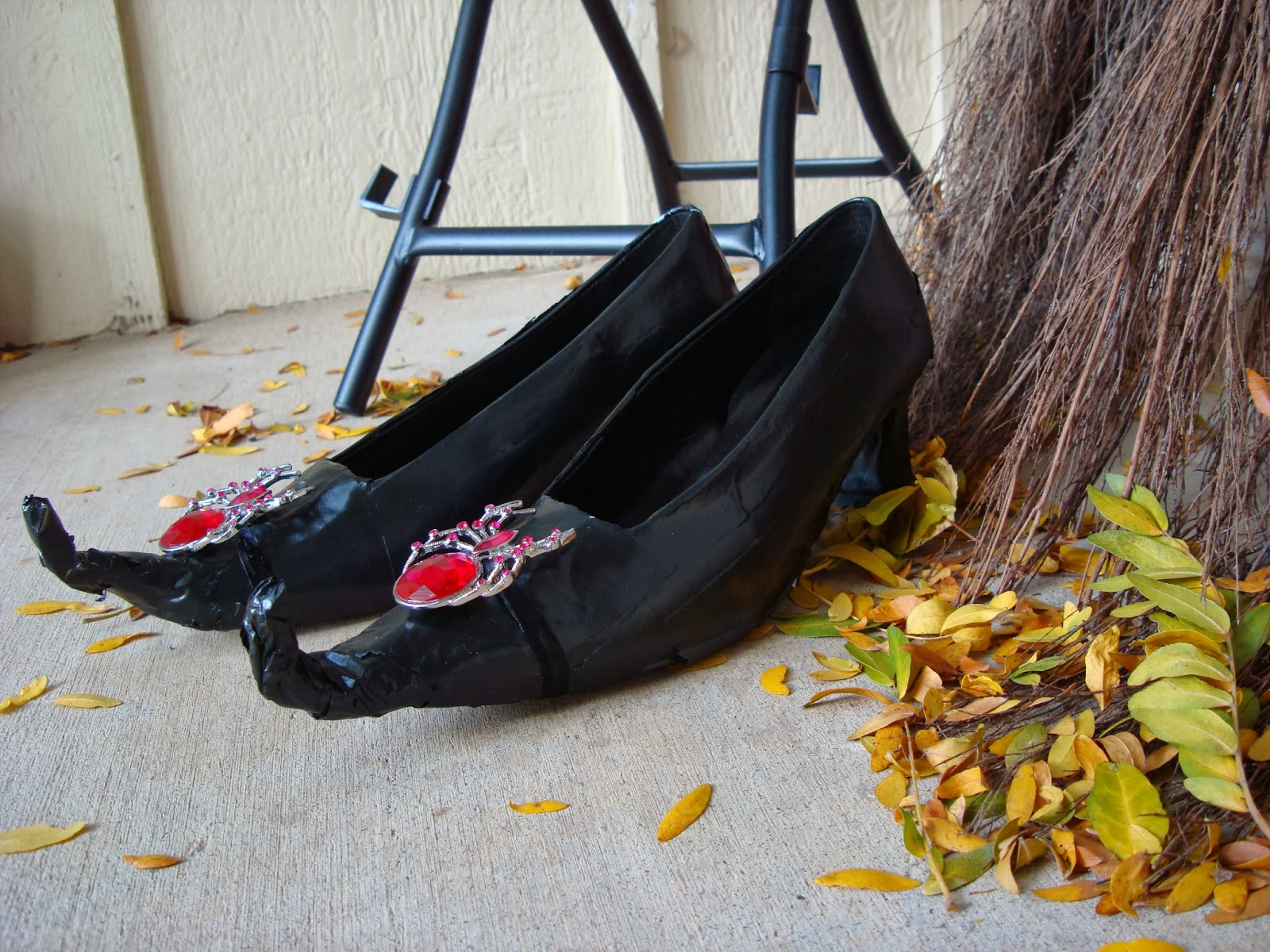 All My Great Ideas Are Really From Pinterest: DIY Witch Shoes