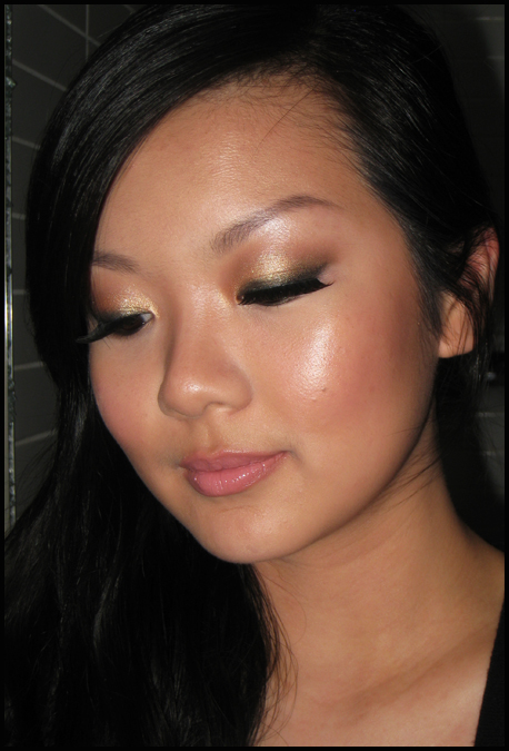 Makeup Tutorial Gold Christmas Party Look - Emilyu0026#39;s Anthology - A Malaysian Beauty Blog