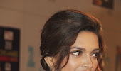 Deepika padukone at zee cine awards 2013.